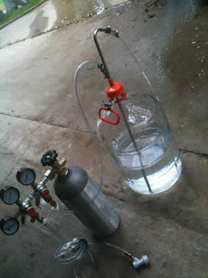 Purging air from a carboy using CO2 gas