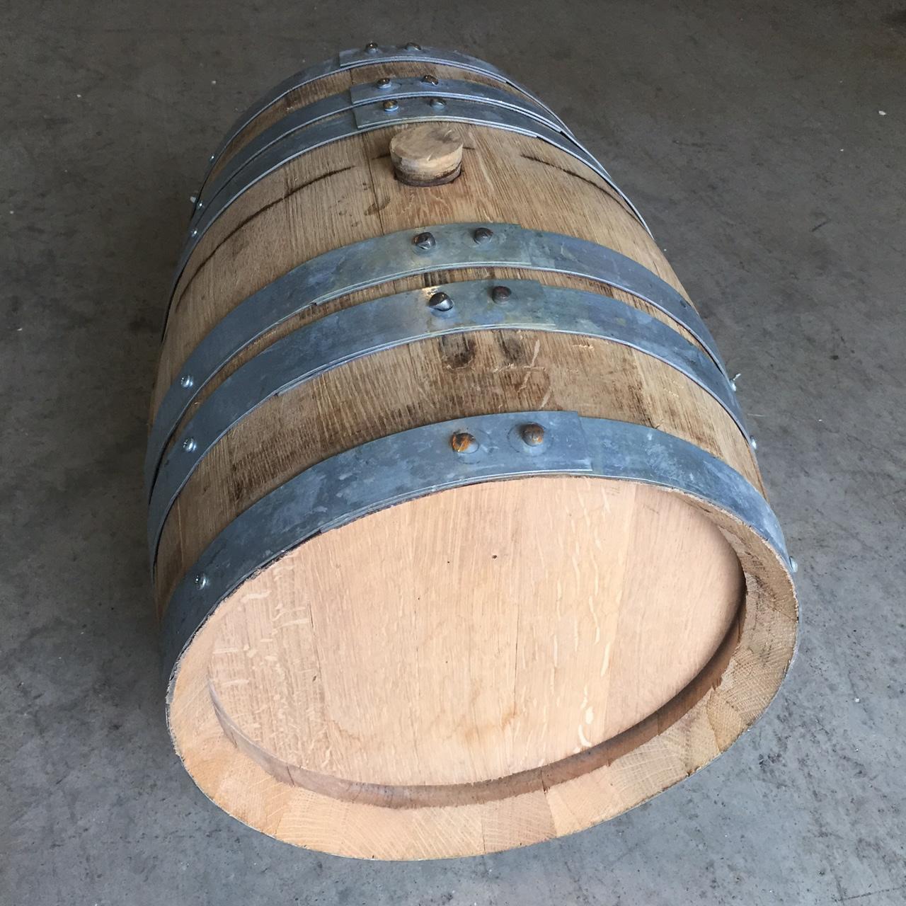 8 Gallon Refillable Bourbon Whiskey Barrel